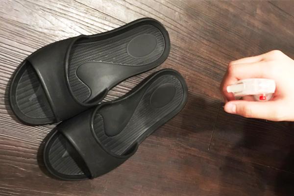 每日客人使用完後的拖鞋,都會進行酒精消毒。